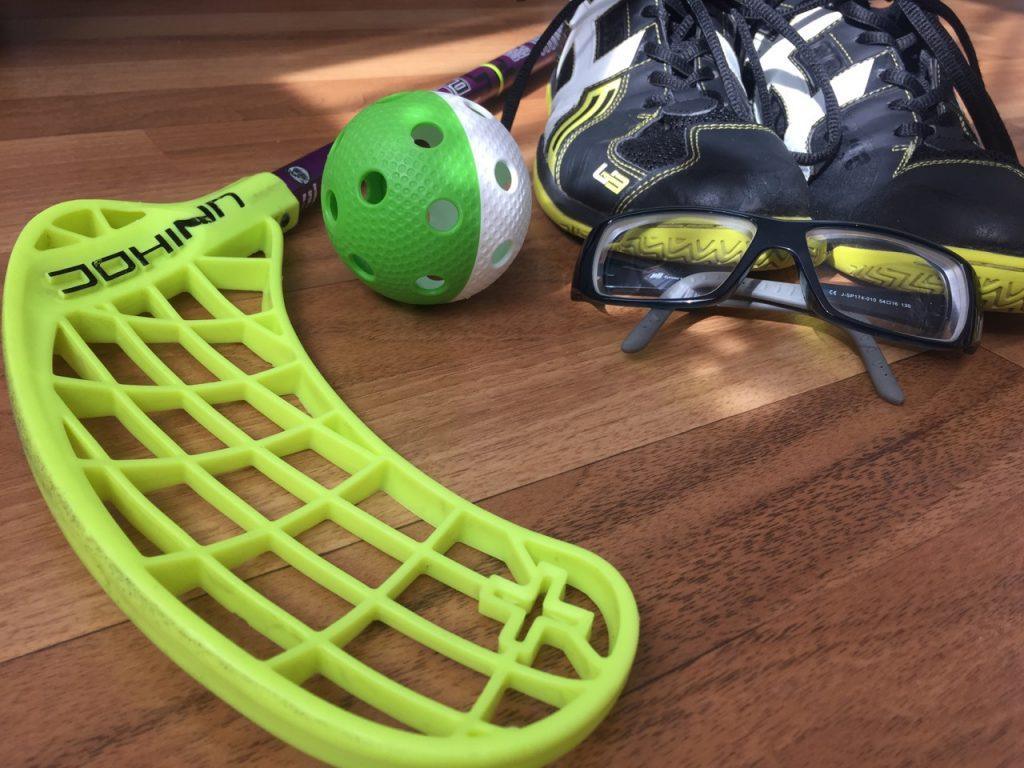 Ausrüstung Floorball Schläger Sportbrille Ball Sportschuhe Innebandy